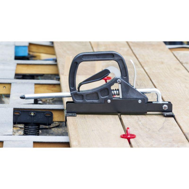 press deck ausrichten von terrassendielen aus holz oder. Black Bedroom Furniture Sets. Home Design Ideas