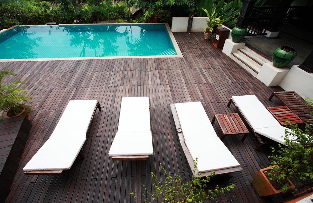 Terrasse à lambourde pour piscine